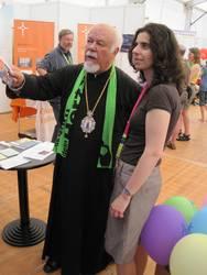 Metropolit Augoustinos mit der orthodoxen Referentin der ACK, Marina Kiroudi.