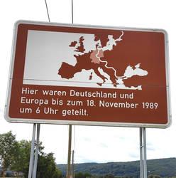 Straßenschild der innerdeutschen Grenze