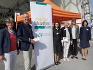 Das Team am Stand während des Tags der Schöpfung: v.l.n.r.: Sabine Haizmann, PD Dr. Albrecht Haizmann, Marina Kiroudi, Sabine Richter, Dr. Verena Hammes, Anna Tanriverdi
