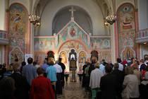 Der Gottesdienst fand in der Kirche Hl. Johannes von Kronstadt statt.
