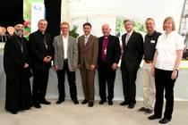 Vorbereitungsteam und Mitwirkende, in der Mitte Nagolds Oberbürgermeister Jürgen Großmann und Landesbischof Friedrich Weber