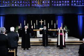 Der Ratsvorsitzende der EKD, Landesbischof Dr. Heinrich Bedford-Strohm, der Vorsitzende der ACK in Deutschland, Erzpriester Radu Constantin Miron, und der Vorsitzende der DBK, Bischof Dr. Georg Bätzing, (v. l.) in der Kaiser-Wilhelm-Gedächtniskirche.