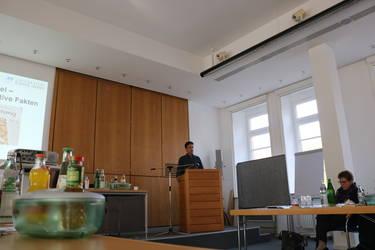 Klaus Fischer bei seinem Vortrag über Fakten und alternative Fakten zum Klimawandel, Foto: ACK Südwest