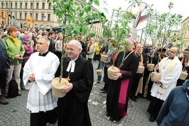 Repräsentanten der Mitgliedskirchen der ACK bei der Proklamation des ökumenischen Tags der Schöpfung (Foto: epd-Bild)