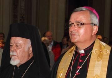 Metropolit Augoustinos (li.) und Bischof Karl-Heinz Wiesemann beim Tag der SChöpfung 2014 in München, Foto: ACK
