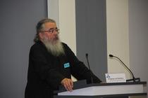 Vorstandsmitglied Constantin Miron erläuterte die Bedeutung des Kreuzerhöhungsfestes in der Orthodoxie, Foto: ACK