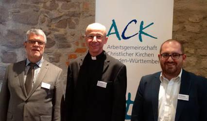 Traugott Schächtele, Peter Birkhofer und Diradur Sardaryan (von links), Foto: ACK