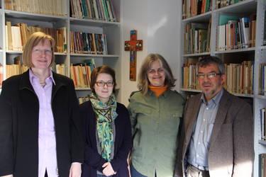 Besuch in der ÖC: Romi Bencke (2. v.r.) zusammen mit Elisabeth Dieckmann, Übersetzerin Nora Schönberger und Bernd Densky (von links), Foto: ACK