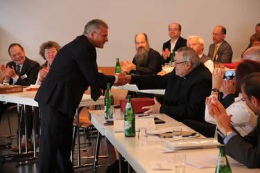 Gratulation an Kardinal Lehmann, der während der Tagung seinen Geburtstag feierte.