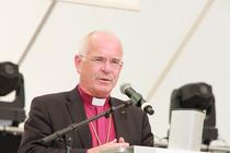 Begrüßung durch den ACK-Vorsitzenden, Landesbischof Weber