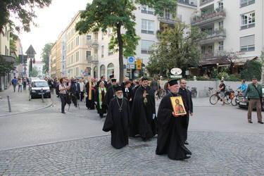 Der Tag der Schöpfung fand in diesem Jahr in München statt, Bild: Prozession zum Englischen Garten
