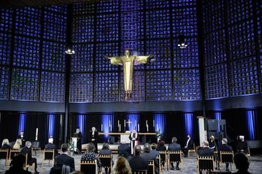 In der Kaiser-Wilhelm-Gedächtniskirche in Berlin. Fotos: Gordon Welters/Pool/KNA